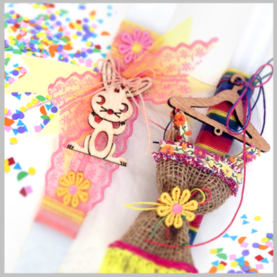 Η Nikolis Group προτείνει να βάλετε χρώμα, ένταση και να στολίσετε με πολύχρωμες κορδέλες, κορδόνια, αλυσίδες, ξύλινα και μεταλλικά στοιχεία τις χειροποίητες δημιουργίες σας. Γούρια, Πασχαλινές Λαμπάδες και Καλοκαιρινά Σανδαλιά φτιαγμένα με την δική σας αισθητική και γούστο. Η ποικιλία των υλικών που θα χρησιμοποιήσετε είναι τεράστια! Παίξτε με τα υλικά και τολμήστε να αυτοσχεδιάσετε! Φτιάξτε μόνοι σας χειροποίητα επιτραπέζια γούρια για το σπίτι και γούρια κόσμημα, επιλέγοντας υλικά για γούρια σε τιμές χονδρικής. Βρείτε μοναδικής ποιότητας και ελληνικής παραγωγής μεταλλικά και μεταλλικά με σμάλτο γούρια για το 2018, κεραμικά χριστουγεννιάτικα στοιχεία διακόσμησης. Φέτος ανακαλύψτε τις νέες μας συλλογές σε ξύλινα και πλέξι-ακρυλικά στοιχεία ελληνικής παραγωγής γούρια για το 2018 που μπορείτε να συνδυάσετε με γυάλινα μάτια και τσόχινα χριστουγεννιάτικα μοτίφ. Δημιουργήστε χειροποίητες πασχαλινές λαμπάδες για τα αγαπημένα σας πρόσωπα. Και καθώς το καλοκαίρι εντυπωσιάστε με τις δικές σας χειροποίητες σαγιονάρες. Επισκεφθείτε μας τα καταστήματα μας σε Αθήνα & Θεσσαλονική καθώς και το e-shop της εταιρείας μας για να επιλέξετε υλικά διακόσμησης σε πλήθος καλοκαιρινών υλικών και σχεδίων για να στολίσετε και να διακοσμήσετε τα δερμάτινα σανδάλια σας.